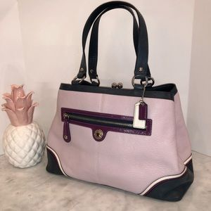 Coach Kiss Lock Carry All Tote like new! Lilac 😎